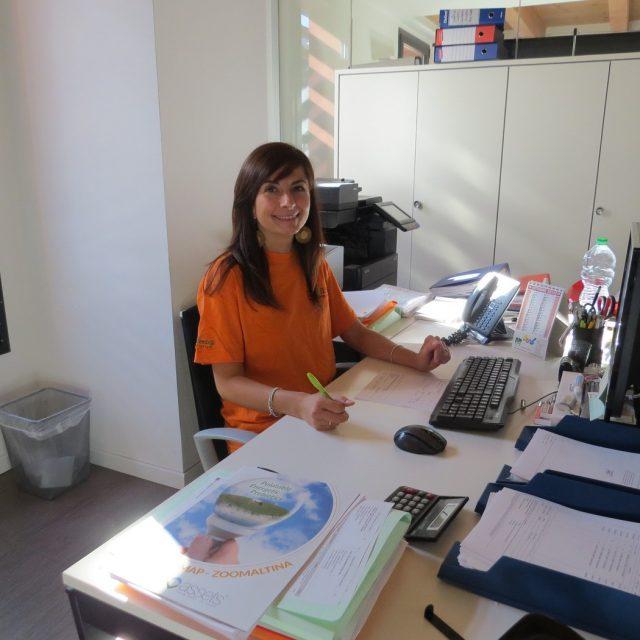 BARBARA GRASSI: Responsabile amministrazione e logistica